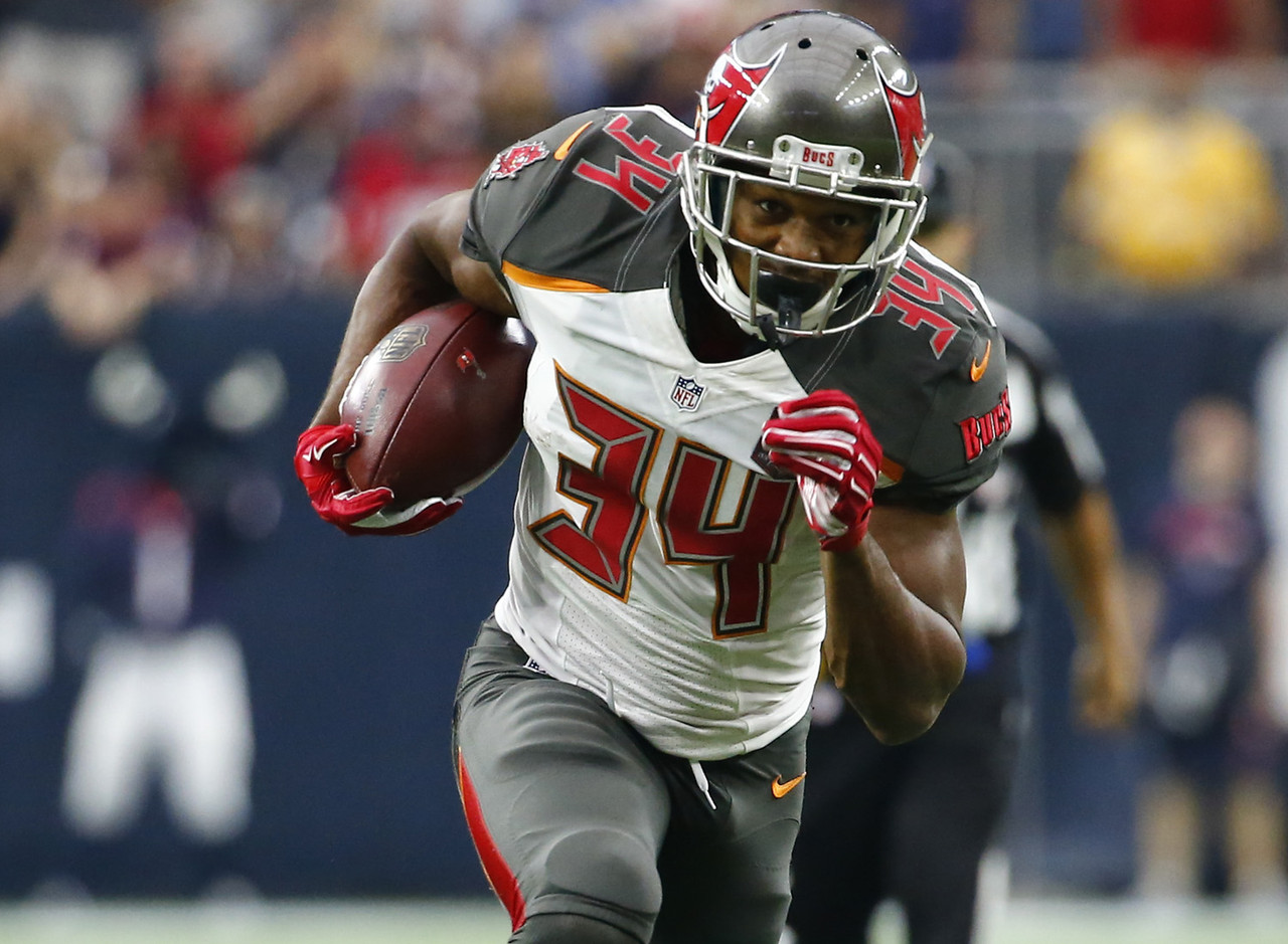 charles-sims-rb-tampa-bay-buccaneers-60-1-percent-owned_pg_600