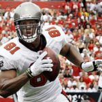 Tampa hires ex-tight end as pro scout.