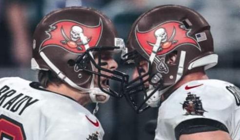 Tom Brady and Rob Gronkowski/via SI.com