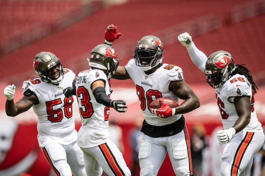 Buccaneers Defense/via buccaneers.com