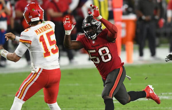 Shaquil Barrett of the Tampa Bay Buccaneers had one sack and one quarterback hit in Tampa Bay's Week 12 loss to Patrick Mahomes and the Kansas City Chiefs.Credit...Jason Behnken/Associated Press