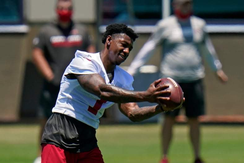 Tampa Bay Buccaneers wide receiver Jaelon Darden makes a catch during an NFL football rookie minicamp Friday, May 14, 2021, in Tampa, Fla. Darden, from North Texas, was drafted by the Buccaneers in the fourth round. (AP Photo/Chris O'Meara)