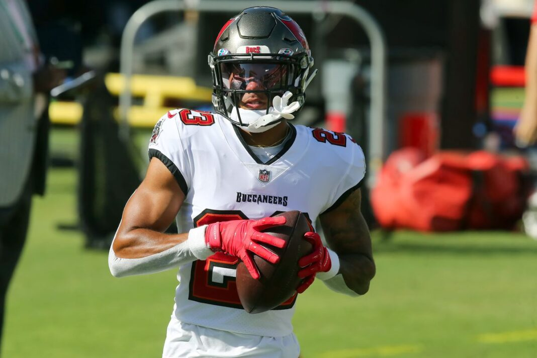 Buccaneers defensive back Sean Murphy-Bunting/via Photo by Cliff Welch/Icon Sportswire via Getty Images