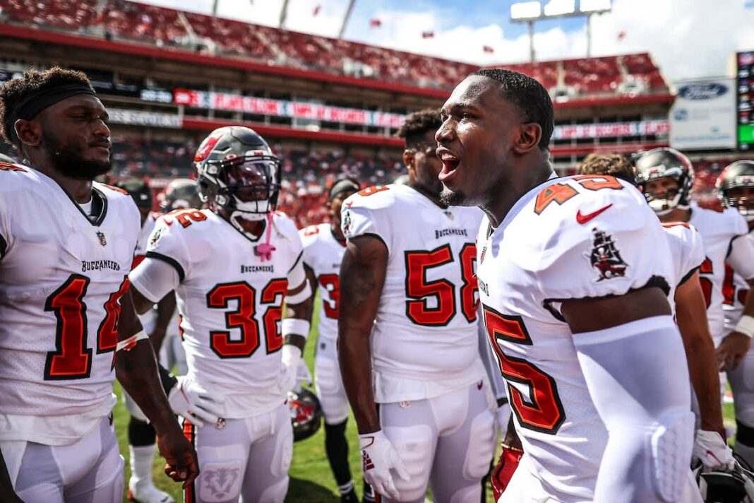 Bucs players gear up for their gane against the Falcons/via buccaneers.com