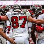 Buccaneers Dump the Falcons 48-25