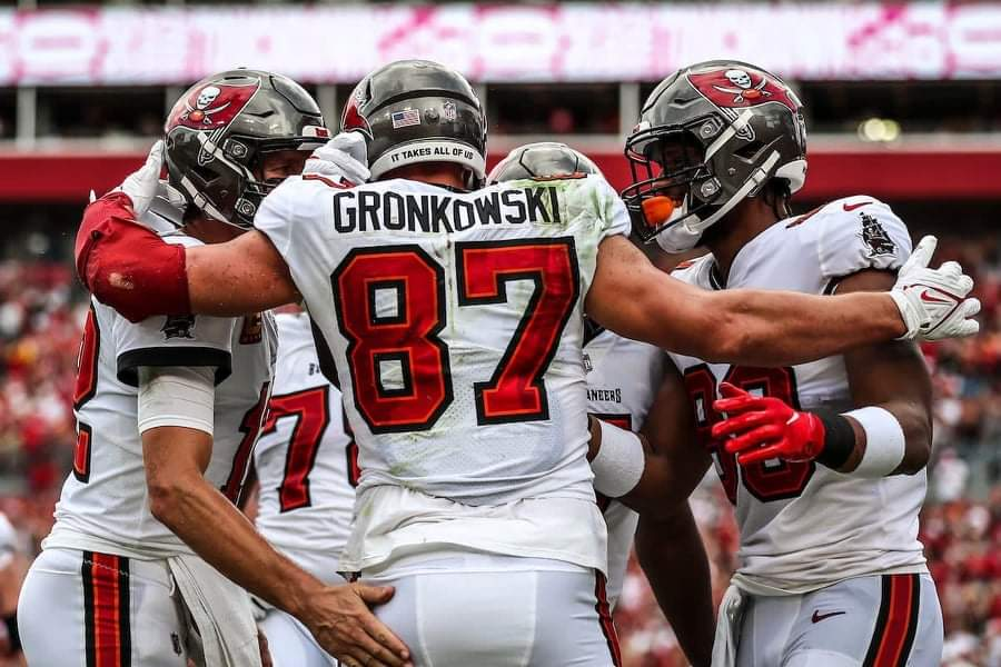 Buccaneers players celebrate after a touchdown/via buccaneers.com